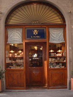 Il Papiro in via de' Tavolini in the heart of the historic center of Florence! #ilpapiro
