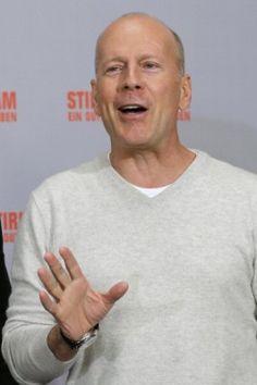 Bruce Willis is AGAINST GUN CONTROL!