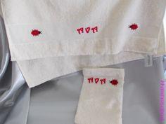 Serviette de toilette & Gant - Coccinelle - Ava. Brodé mains.  - point de croix - cross stitch - broderie - embroidery  -  Blog : http://broderiemimie44.canalblog.com/