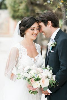 Photography: Shea Christine Photography - sheachristine.com   Read More on SMP: http://www.stylemepretty.com/2016/06/09/this-enchanted-wedding-has-everything-coming-up-roses/