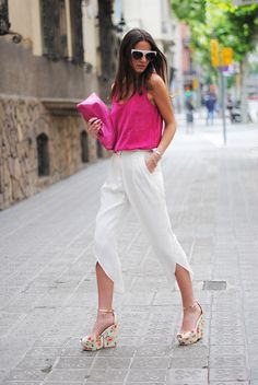 suede+top,+pink,+white+pants,+floral+print+shoes,+zina,+fashionvibe.jpg (750×1120)