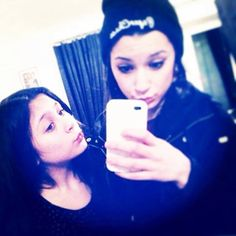 The two beautiful malik sisters Safaa and Waliyha Zayn Malik Family, Zayn Malik Photos, Quotes By Famous People, People Quotes, Drawing Quotes, Squad, Families, Two By Two, Sisters