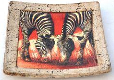 Plato de pasta piedra africano Pasta Piedra, Air Dry Clay, Clay Crafts, Decoration, Decoupage, Moose Art, Lily, Ecuador, Ideas