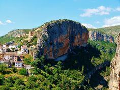 España tiene un sinfín de atractivos turísticos: patrimonio, historia, gastronomía, mar, montaña... Pero, ¿qué debes visitar una vez en la vida?