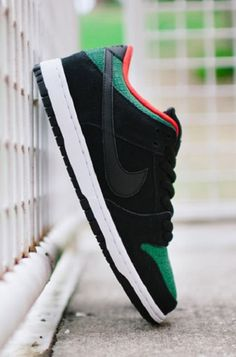 Nike SB Dunk Low: Croc Skin