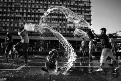 Street Photography At Its Best - 25 Excellent Examples - AntsMagazine.Com