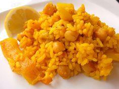 La cocina de Lola: Arroz con sepia y garbanzos Mexican Food Recipes, Ethnic Recipes, Pasta, Spanish Food, Omelette, Churros, Flan, Risotto, Potatoes