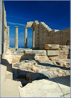 Temple of Athena Lindia, Lindos, Rhodes island, Dodecanese, Greece Copyright: David White Ancient Greek Art, Ancient Greece, Places Ive Been, Places To Go, Somewhere In Time, Classical Antiquity, Ancient Beauty, Acropolis, Corfu