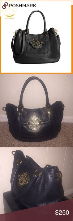 Tory Burch Black Amanda Hobo Bag Gorgeous and roomy Tory Burch bag! Fantastic condition! Tory Burch Bags Hobos
