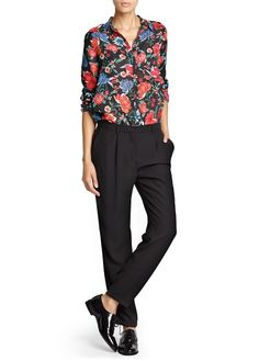 Floral print flowy blouse with concealed buttons down the front, patch pocket on the chest and buttoned long sleeves. Mango Clothing, Floral Tops, Floral Prints, Cheap Shirts, Complete Outfits, Shirt Blouses, Blouses For Women, Casual Shirts, Chiffon