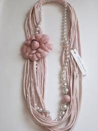 collana fettuccia e perle