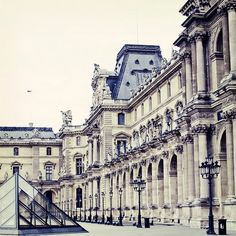 Louvre* Paris