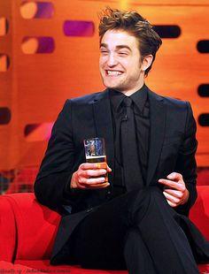 Blast From The Past: Robert Pattinson On The Graham Norton Show Robert Pattinson Twilight, Edward Cullen Robert Pattinson, Saga Twilight, Twilight Edward, Edward Bella, King Robert, Robert Douglas, Most Handsome Men, Celebs