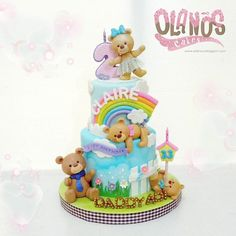 Boong kalo ga pusing terima request birthday cake for little girl plus her daddy trying hard to make this cake cute but fit for the papa bear #teddybearcake #Birthdaycake #customcake #customcakejakarta #partyfavour #kueulangtahunjakarta #jajanjakarta #delicious #sweettable #fondant3D #caketopper #sugarart #olanoscakes #olanos #jakarta #yummy #amazing #instafood #sweet #cake #olshopcake #jktfoodies