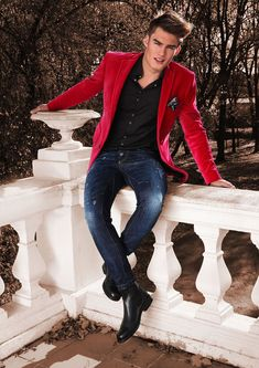 Another cool outfit idea using a red blazer...dark shirt+blue jeans... Adrian Suchecki by Agata Mayer