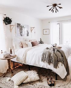 Love the sconces. 32 Beautiful Bedroom Decor Ideas for Compact Departments; For smart small apartment decorating ideas on a budget, look to accessories. bedroom decor ideas for teens. Cozy Bedroom, Bedroom Inspo, Bedroom Apartment, Home Decor Bedroom, Apartment Living, Bedroom Ideas, Master Bedroom, Modern Bedroom, Budget Bedroom