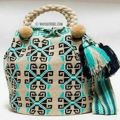 Handmade Limited Edition Hermosa Wayuu bags are rare art. Only small amounts are made because of the complexity and method to produce a single Bucket Bag Mochila Crochet, Bag Crochet, Tapestry Crochet Patterns, Crotchet Patterns, Wiggly Crochet, Tapestry Bag, Boho Bags, Knitted Bags, Purses And Bags