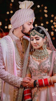 Indian Bride Photography Poses, Indian Bride Poses, Indian Wedding Poses, Indian Bridal Photos, Wedding Couple Poses Photography, Indian Bride And Groom, Indian Wedding Outfits, Bridal Photography, Indian Weddings