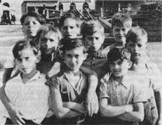 """Fritz Kleinmann erlebte als jüdisches Kind den """"Anschluss"""" 1938 als """"Ausschluss"""" und extreme Lebensbedrohung. 1939 - 1945 war er in den Konzentrationslagern Buchenwald, Auschwitz und Mauthausen eingesperrt."""