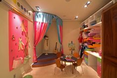 Love the idea of a mini stage in a play room!!
