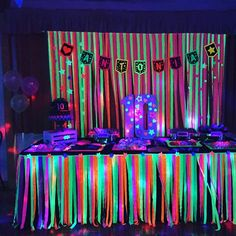 Drink table with 2018 Neon Birthday, 13th Birthday Parties, Birthday Party For Teens, 16th Birthday, Birthday Party Themes, Glow Party Decorations, Glow In Dark Party, Blacklight Party, Disco Party