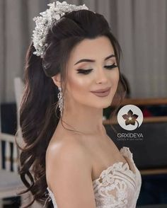 Pin by Viviana Popa on Wedding hairstyles in 2019 Wedding Hairstyles With Crown, Wedding Hair Half, Romantic Wedding Hair, Hairdo Wedding, Bridal Hair Updo, Bride Hairstyles, Down Hairstyles, Party Hairstyles, Bridal Makeup Looks
