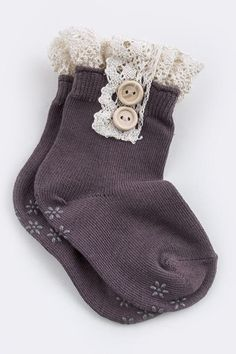 TODDLER ANKLE SOCKS WITH LACE -Dark Brown