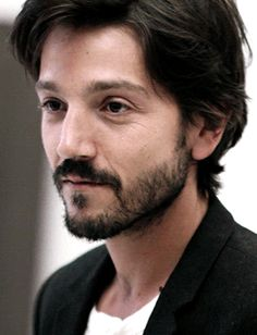 Diego Luna - Tomas Martell  -Follow Hourglassify for More!