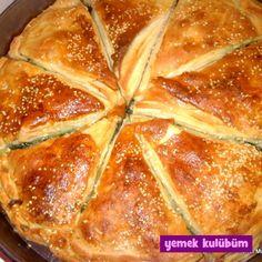 TARİF : Ispanaklı Açma Börek   #ıspanak #ıspanaklı #ıspanaklıbörek #kekik #kişniş #kişnişli #pulbiber #soğan #zeytinyağı #oliveoil #karabiber #börektarifi #börektarifleri