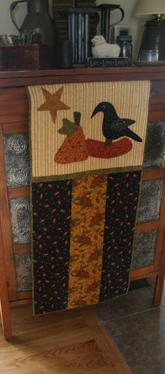 Pumpkin and Crow Banner Quilt