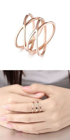 Rose Gold Engagement Ring / Rose Cut Oval Diamond in Rose Gold / Rose Gold Diamond Ring / Graduation Gift - Fine Jewelry Ideas Jewelry Trends, Jewelry Accessories, Fashion Rings, Fashion Jewelry, Accesorios Casual, Rose Gold Jewelry, Silver Jewellery, Schmuck Design, Cute Jewelry