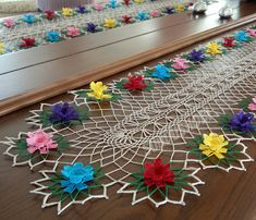 Crochet Decoration, Table Runners, Diy And Crafts, Lily, Kids Rugs, Flowers, Inspiration, Instagram, Home Decor