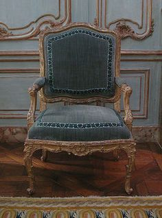 1730 French guilded chair