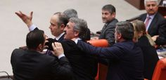 CHP'li vekilden AK Partili vekile: Seni yerim! - http://turkyurdu.com/chpli-vekilden-ak-partili-vekile-seni-yerim/