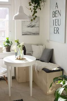 DIY Dining Nook - Trick: Too many chairs in a small dining area can feel clunky and distracting. Building your own bench seating is surprisingly easy and so practical. Küchen Design, House Design, Interior Design, Design Ideas, Modern Interior, Diy Interior, Urban Design, Design Trends, Interior Decorating