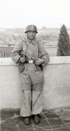 Maschinenpistole 40 & Fallschirmjäger