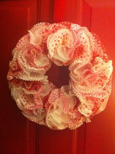 How to make a cupcake liner wreath. Great for Valentines Day  ~~Love is in the Air~~   A. Evans Makeup Artist