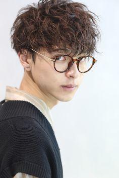 Ftm Haircuts, Haircuts For Wavy Hair, Wavy Hair Men, Undercut Hairstyles, Boy Hairstyles, Haircuts For Men, Japanese Men Hairstyle, Japanese Haircut, Korean Men Hairstyle