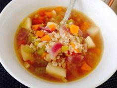 Sopa de tomillo y miso con arroz integral y verduras en HazteVegetariano.com