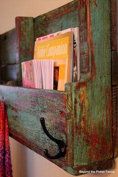 DIY Bookshelves   DIY Pallet Wooden Bookshelf   Pallet Furniture DIY I absolutely LOVE the color!