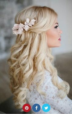 Hairstyle 18 atemberaubende Half Up Half Down Hochzeitsfrisuren ❤ Mehr sehen: www.weddingforwar … Mais informaçõesEncontre este Pin e muitos outros na pasta Wedding Hairstyles de Wedding Hairstyles. Bridal Half Up Half Down, Half Up Wedding Hair, Wedding Hairstyles Half Up Half Down, Wedding Hairstyles With Veil, Wedding Hair Flowers, Wedding Hair And Makeup, Bride Hairstyles, Down Hairstyles, Flowers In Hair