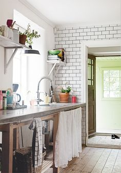 Tiles and concrete kitchen (Hannah Widell's summer house on Gotland)