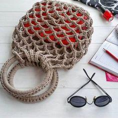 Presentes de Crochê - Bolero Fácil Crochet paso a paso - Taschen häkeln - Crochet Bolero, Crochet Tote, Crochet Handbags, Crochet Purses, Love Crochet, Crochet Gifts, Knit Crochet, Purse Patterns, Crochet Patterns