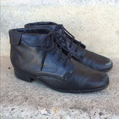St. John's bay lace up shoes Great condition real leather from the 90's Vintage Shoes Lace Up Boots