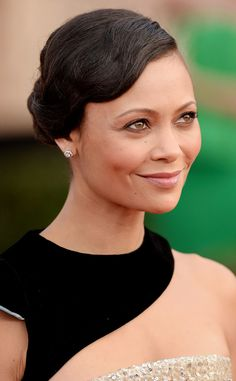 Thandie Newton from Best Lip Colors at the 2017 SAG Awards To create a full-pout effect for the Westworld actress, makeup pro Jo Strettell applied a matte lip gloss to the middle of the lips for a centered concentration of color after slightly overdrawing the lips.