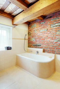 Chalupa v horských lukách Interior Design Inspiration, Corner Bathtub, Alcove, Sweet Home, Bathroom, House, Stone, Houses, Washroom