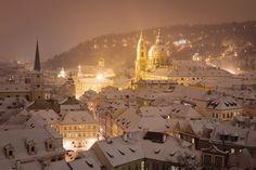 It's a winter wonderland here in Praha! | source