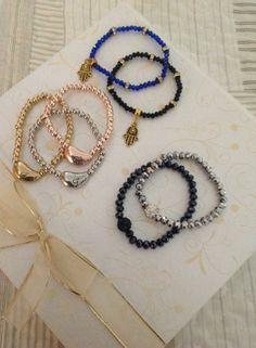 Pulseiras bijoux lindas!  Mão de Fátima black R$ 13,90 Ref. 103 Mão de Fátima blue R$ 13,90 Ref. 104 Pedra bolinha black R$ 14,90 Ref. 105 Pedra bolinha blue R$ 14,90 Ref. 106 Trio love ouro/prata/bronze R$ 20,90 Ref. 102 #pulseiras #agenuina #moda #bijoux #pulseirismo Instagram: @A Genuina Informações: agenuina@gmail.com
