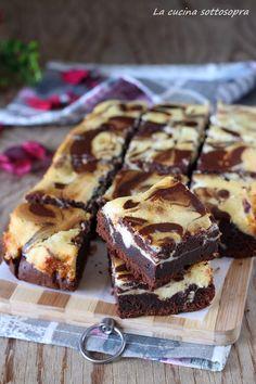 Brownies cheesecake - original brownies recipe The kitchen upside down cake wedding cake kindergeburtstag ohne backen rezepte schneller cake cake Brownie Recipes, Chocolate Recipes, Cake Recipes, Dessert Recipes, Chocolate Cake, Brownies Cheesecake, Sweet Cakes, Savoury Cake, Ricotta