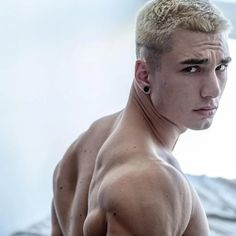Photographer Attila Kiss presents Hungarian Fitness Boy Marci Kiss - Fashionably Male Stephen Covey, Fresh Face, Beautiful Babies, Face And Body, Male Models, Madonna, Sexy Men, Bodybuilding, Kiss